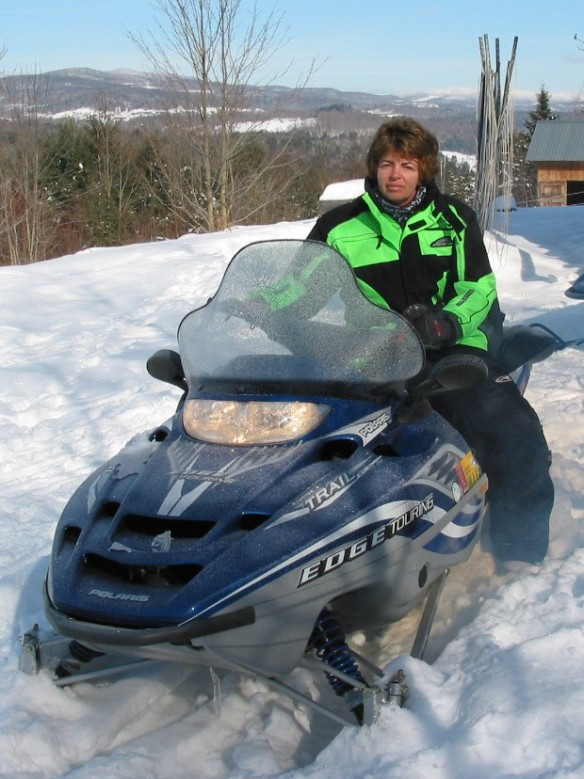MomSnowmobile2005(loRes)